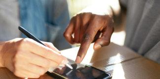 Assinatura digital sendo feita para recepção de um